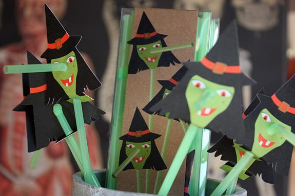 Witch straws